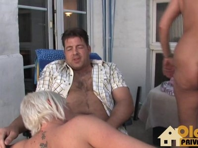 Ugly bitch gets fucked