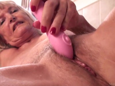 Skinny granny Nancy masturbated with dildo
