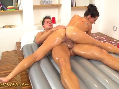 flexi Promesita gives kamasutra nuru massage