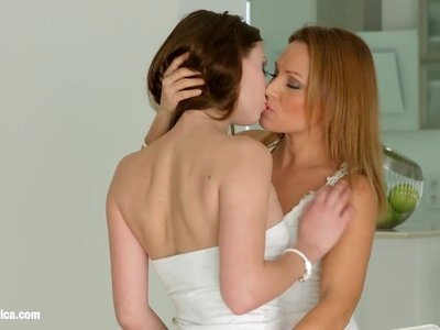 Strap on to turn on - lesbian scene with Sylvia Lauren