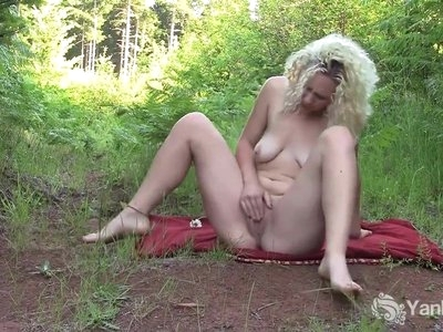 Yanks Ruby Wood Naughty Flower Play