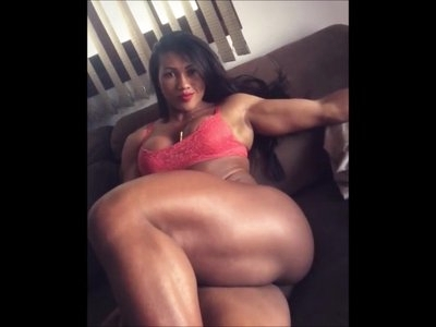 thick muscular legged Brazilian working out