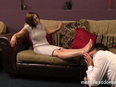 Pretty Feet - Foot Boy for Miss Jessica Wood