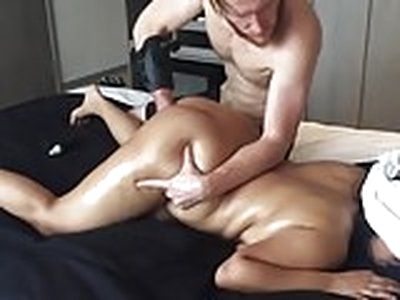 20 yo Asian Amateur gf CHOKED Squirts Big Ass Real Massage !