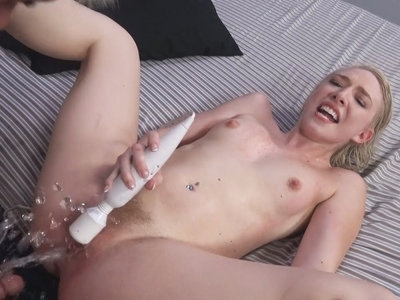 Trillium is an amazing squirting slut!