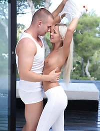Blonde babe Dido Angel seduces her man into a raunchy afternoon fuck fest and gives him a stiffie ride in her bald pussy