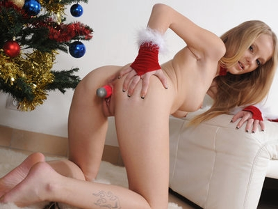 Teen in very jolly Christmas masturbation