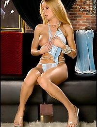 Wow Renee, you really are sweet and sexy. You look so cute turning around to show us your hot hiney in those baby blue pants. What's that? A matching thong? Oh you are killing us with sexiness Renee! We love looking at those perky butt cheeks. So cute and sexy! And boobies too! Seeing Renee Lee get completely naked and stretch herself out while playing with pearls is a definite treat!