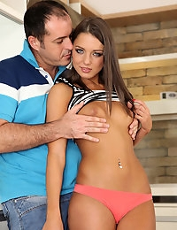 Watch MikesApartment scene So Foxy featuring Foxy Di Browse FREE pics of Foxy Di from the So Foxy porn video now