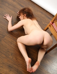 Flat chested Renata gives peek of sexy clean cunt and pretty toes