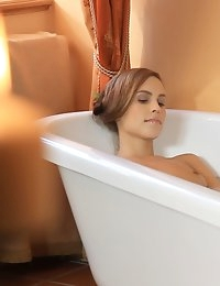 A bathtime orgasm is just an appetizer for Jenny DeLugo as she prepares for an evening of passion with her lover Jasmina