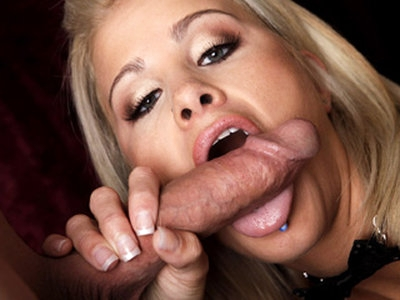 Class A blond beauty Jessica Nix gets on her knees and blows a thick hard big cock