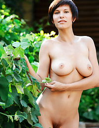 Free FEMJOY Gallery - SUSI R. - Between The Vines - FEMJOY
