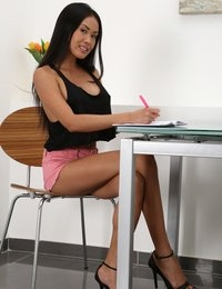 Watersports fun for horny Asian babe Davon