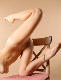 Topnotch model Adele spreads legs and stretches her welcoming twat