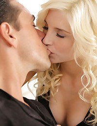 Tiny spinner Piper Perri seduces her man with her braces filled mouth and a lusty stiffie ride in her bald pussy