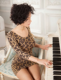 Meloze featuring Pammie Lee by Ron Offlin