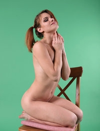 Delicious hottie Gerda entrances with her sweet and lickable goodies