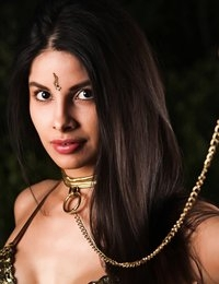 Mileena Kiani wants to be your slave