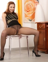 Gorgeous Antonia Sainz pees on a flesh dildo