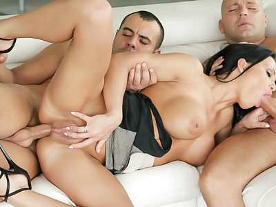 Perfect dreamy babe Samantha Rebeka fucked in threesome.