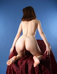 Hot white babe Tinka demonstrates her juicy holes from the best sides