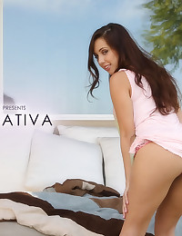 Jenna Sativa knows a thing about working that body