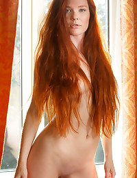 Kalnee featuring Mia Sollis by Luca Helios
