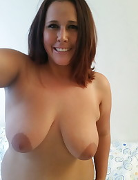 Chubby horny girlfriend takes selfshot pictures for her boyfriend